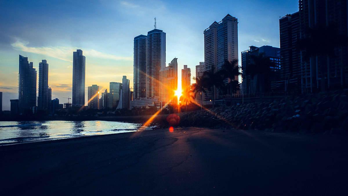 غروب خورشید شهر